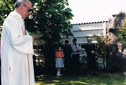 inhuldiging priester