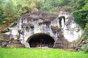 W grotteswarmifontaine