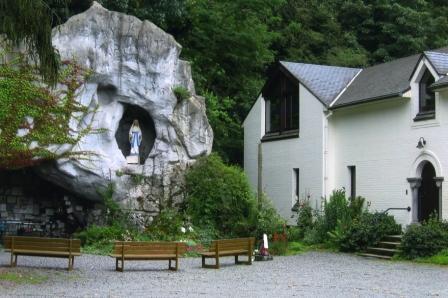 photo grotte Notre-Dame Immaculée de l'Espinette, reine de la Justice Rhode-Saint-Genèse