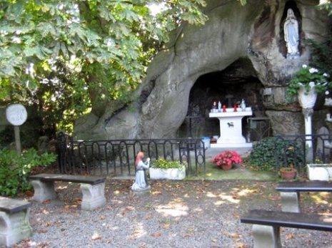Grotten Plantsoenenstraat 003