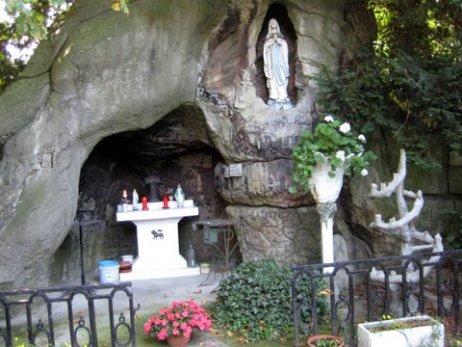 Grotten  Plantsoenenstraat 005