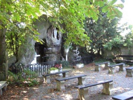 Grotten Plantsoenenstraat 004
