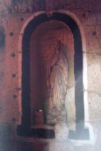 OLV van Lourdes in mergelgrot.jpg