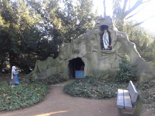 openbare grot.