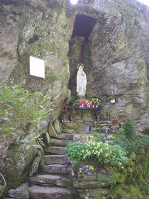 lourdesgrotte1 Kreuz im Venn Monschau
